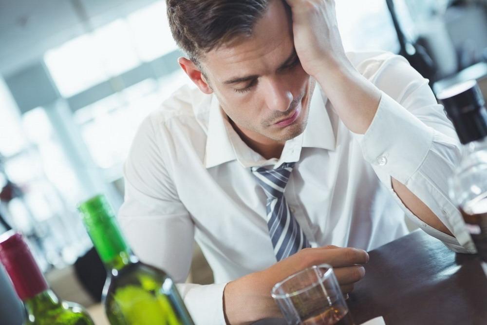 Лечение наркомании гипнозом москва человек с похмелья